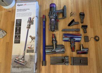 Review máy hút bụi cầm tay Dyson V11 Absolute 1