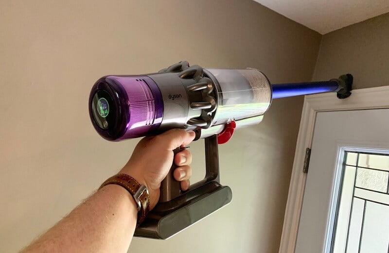 Review máy hút bụi cầm tay Dyson V11 Absolute 6